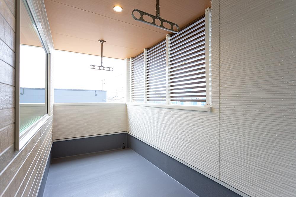 栗東市建売住宅_川辺3_耐震モデルハウス_バルコニー