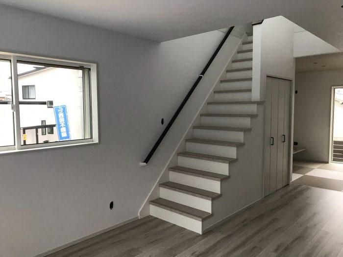 グリーンパーク南草津24モデルハウス階段