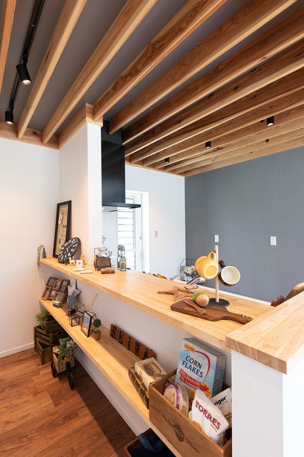 施工事例_下阪本_カジュアルスタイルの家_リビング_ルーバー天井