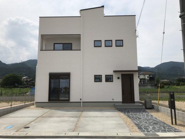 下阪本13屋上庭園モデルハウス外観