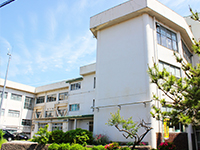 石山小学校