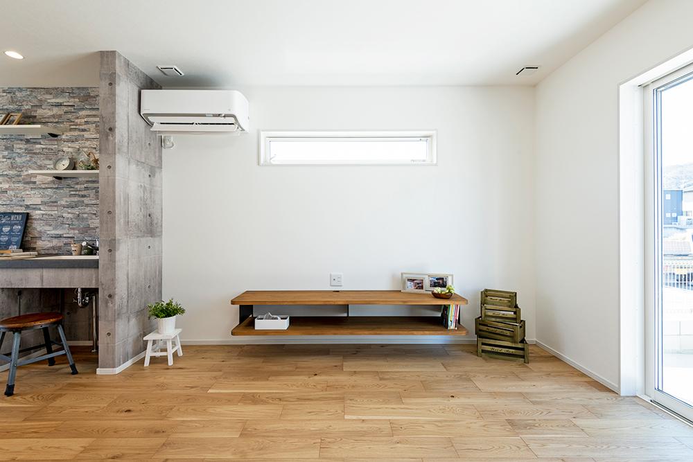 大津市施工事例_アクアリウムを楽しむ家_テレビボード